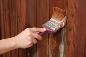 apply sealant to wood fencing